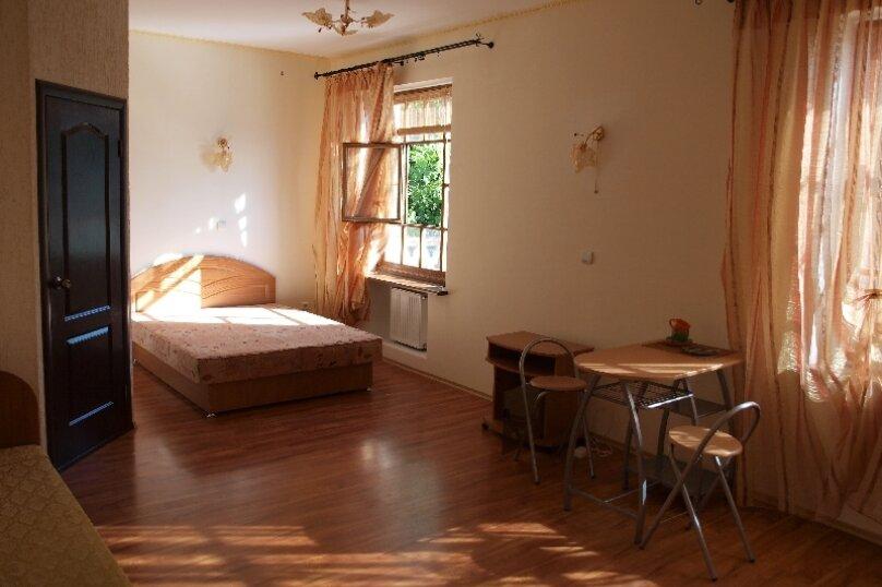 "Гостевой дом ""На Изергина 3"", улица Изергина, 3 на 5 комнат - Фотография 7"