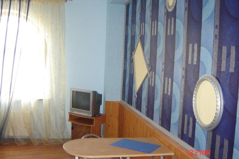 "Гостевой дом ""На Изергина 3"", улица Изергина, 3 на 5 комнат - Фотография 12"