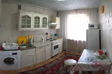 2-комн. квартира, 60 кв.м. на 4 человека, 11 микро- район, 1, Заозерный район, Курган - Фотография 4