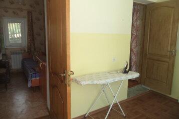 Дом на 5 человек, 2 спальни, улица Жуковского, 61, Коктебель - Фотография 1