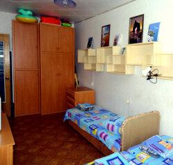 2-комн. квартира, 50 кв.м. на 5 человек, улица Бондаренко, поселок Орджоникидзе, Феодосия - Фотография 4