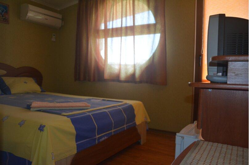 2-х местный люкс (двухспальная кровать) 2-й этаж, улица 14 апреля, 12, Судак - Фотография 1