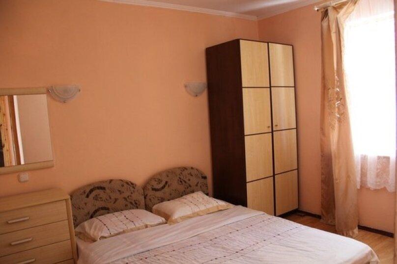 Семейный ( 2 комнаты), СТ Мираж, Приморская, 52, посёлок Орловка, Севастополь - Фотография 1