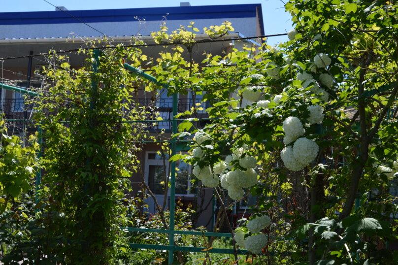 """Гостевой дом """"На Калинина 32"""", улица Калинина, 32 на 8 комнат - Фотография 16"""