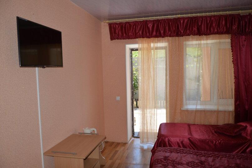 """Гостевой дом """"На Калинина 32"""", улица Калинина, 32 на 8 комнат - Фотография 69"""