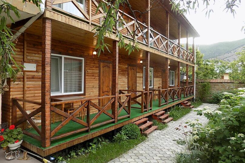 "Гостевой дом ""Олива"", улица Истрашкина, 22б на 6 комнат - Фотография 1"