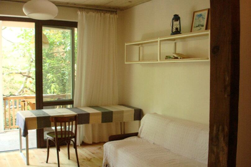 Дом в Мисхоре, две 1-ком. студии, улица Водовозовых, 18 на 2 комнаты - Фотография 2