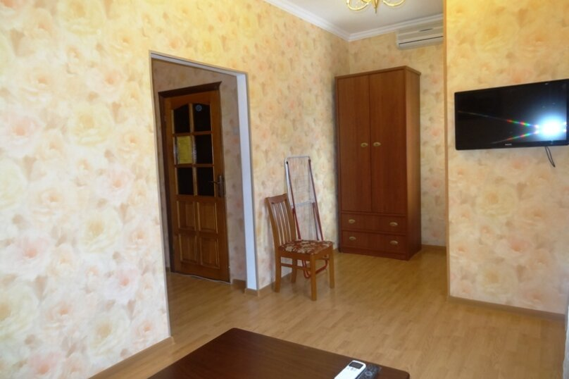 Трехместный номер, улица Ленина, 16, Анапа - Фотография 1