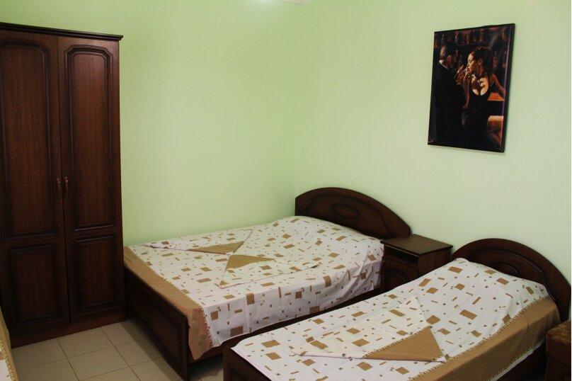 Гостевой дом Джули, Черноморская улица, 150 на 22 комнаты - Фотография 9