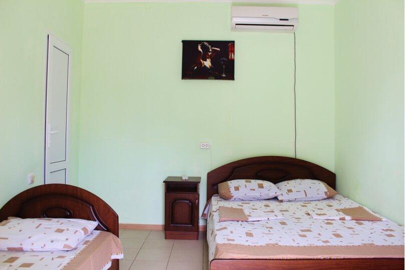 Гостевой дом Джули, Черноморская улица, 150 на 22 комнаты - Фотография 12
