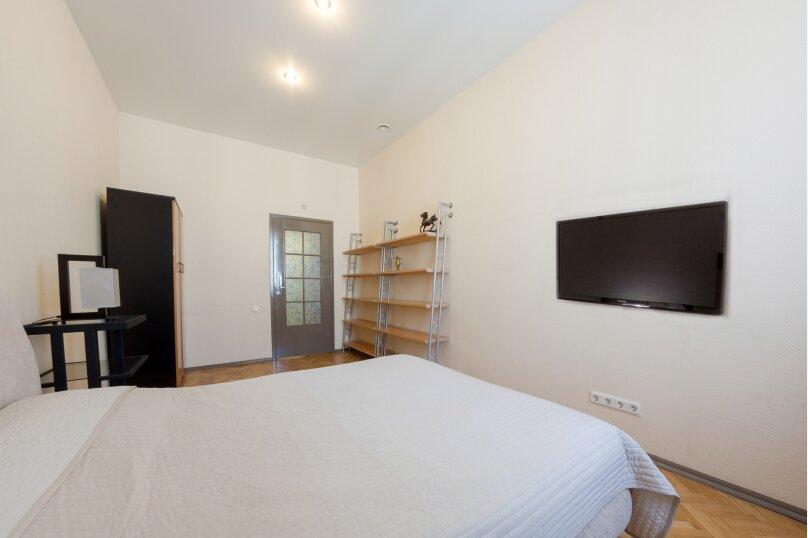 3-комн. квартира, 140 кв.м. на 7 человек, Итальянская улица, 1, метро Гостиный Двор, Санкт-Петербург - Фотография 2