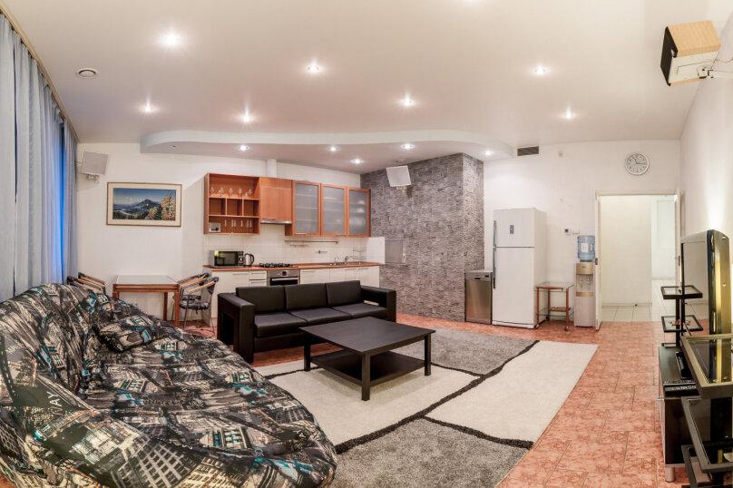 3-комн. квартира, 140 кв.м. на 7 человек, Итальянская улица, 1, метро Гостиный Двор, Санкт-Петербург - Фотография 12