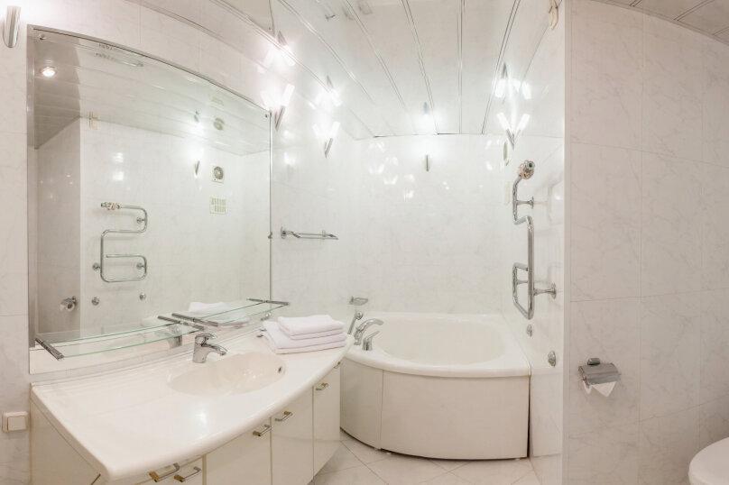 3-комн. квартира, 140 кв.м. на 7 человек, Итальянская улица, 1, метро Гостиный Двор, Санкт-Петербург - Фотография 13