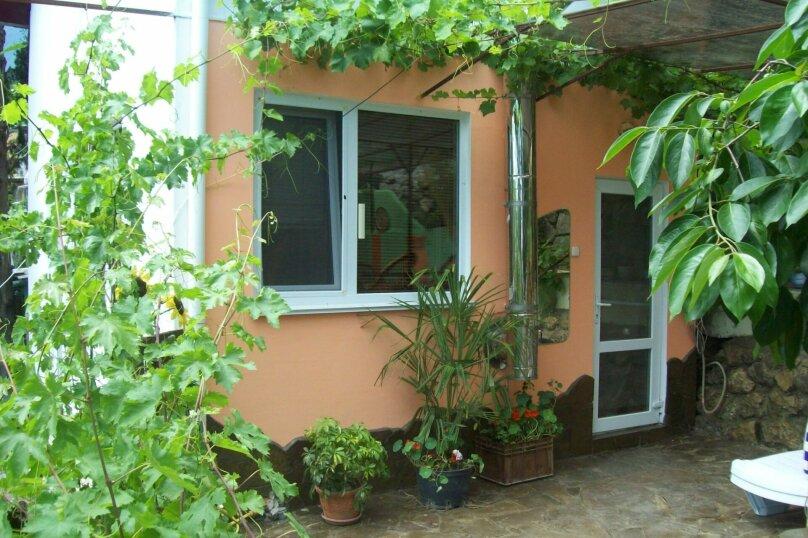 Домик с отдельным двориком, 40 кв.м. на 4 человека, 1 спальня, Артековская улица, 9, Гурзуф - Фотография 2