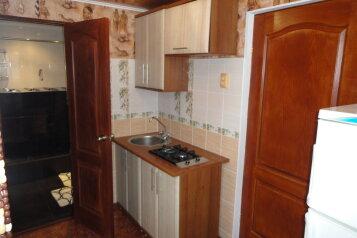 Дом, Алушта, 150 кв.м. на 4 человека, 2 спальни, улица Карла Маркса, 8, Алушта - Фотография 2