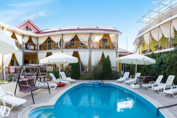 Семейный отель: инфраструктура с максимальным комфортом для досуга детей, улица Вересаева , 1 на 40 номеров - Фотография 1