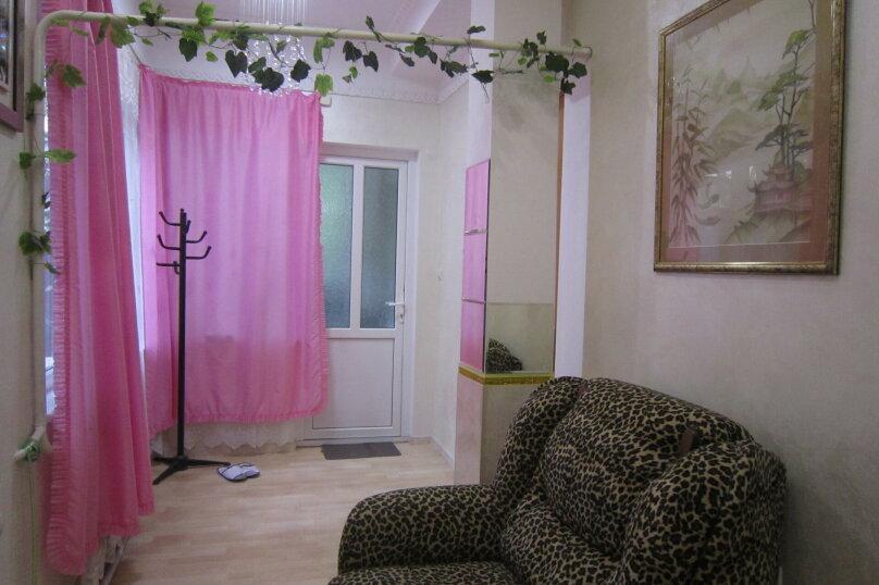 Первый этаж дома рядом с Набережной и пляжем!, 50 кв.м. на 4 человека, 2 спальни, Пальмиро Тольятти, 12, Ялта - Фотография 16