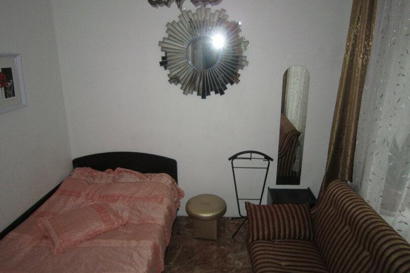 Первый этаж дома рядом с Набережной и пляжем!, 50 кв.м. на 4 человека, 2 спальни, Пальмиро Тольятти, 12, Ялта - Фотография 17