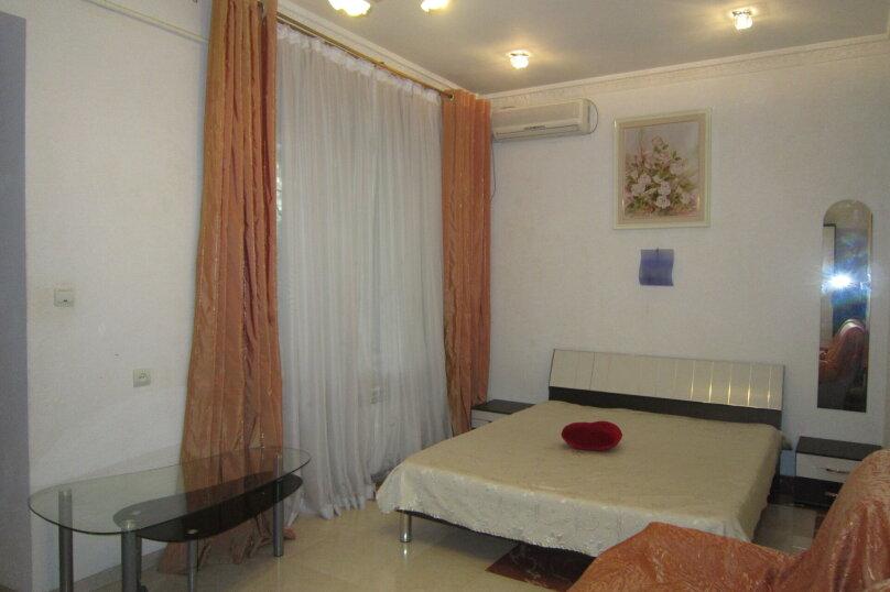 Первый этаж дома рядом с Набережной и пляжем!, 50 кв.м. на 4 человека, 2 спальни, Пальмиро Тольятти, 12, Ялта - Фотография 8