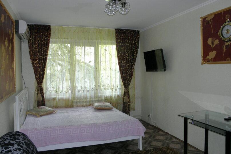 1-комн. квартира, улица 50 лет Октября, 6, Алушта - Фотография 1