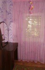 Небольшой летний 2-к.домик, р-н Золотого пляжа , 30 кв.м. на 4 человека, 2 спальни, улица Дружбы, 105, Феодосия - Фотография 2