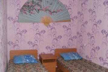 Небольшой летний 2-к.домик, р-н Золотого пляжа , 30 кв.м. на 4 человека, 2 спальни, улица Дружбы, 105, Феодосия - Фотография 3