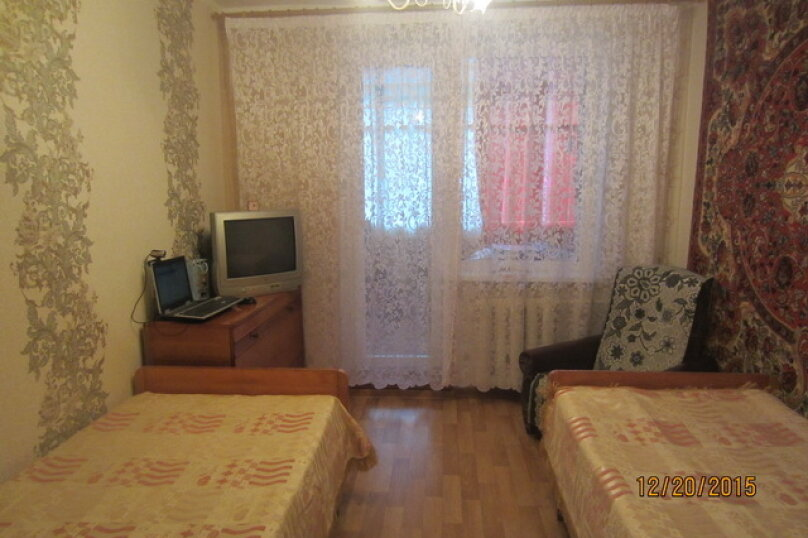 2-комн. квартира, 55 кв.м. на 4 человека, улица Бондаренко, 12, поселок Орджоникидзе, Феодосия - Фотография 1