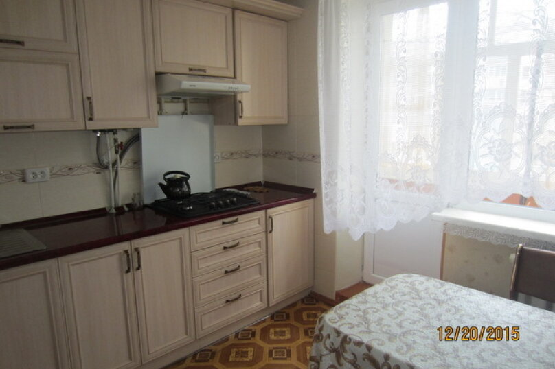 2-комн. квартира, 55 кв.м. на 4 человека, улица Бондаренко, 12, поселок Орджоникидзе, Феодосия - Фотография 5