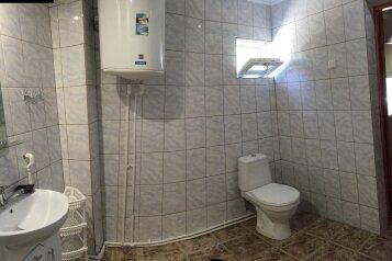 Уютный отдельный домик на 6 чел. две спальни + кухня-столовая, 48 кв.м. на 6 человек, 2 спальни, Улица Мартынова , Дом 31, Морское - Фотография 2