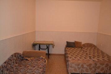 Квартира на земле, 45 кв.м. на 4 человека, 2 спальни, улица Революции, Евпатория - Фотография 3