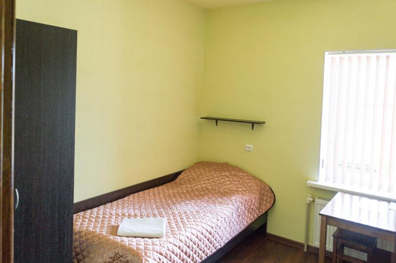 Однокомнатный  2-х местный номер  (душевые и туалеты на этаже), Озёрный переулок, 30, Новая Ладога - Фотография 1