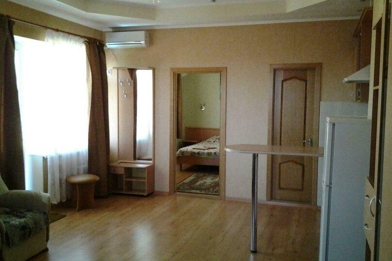 Четырёхместный номер люкс с кухней, Луначарского , 133, корпус 10, Геленджик - Фотография 1