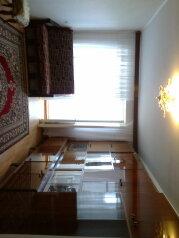 3-комн. квартира, 57 кв.м. на 4 человека, улица Мичурина, 2, Судак - Фотография 1