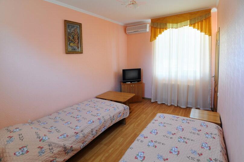 """Гостевой дом """"Фаина"""", улица Новороссийская, 33 на 10 комнат - Фотография 4"""