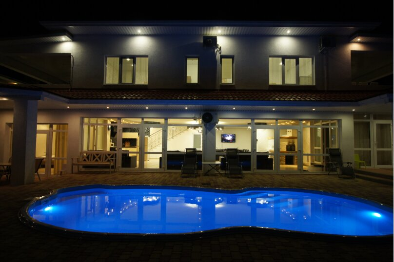 Резиденция , 350 кв.м. на 24 человека, 6 спален, Зеленая улица, 23А, Архипо-Осиповка - Фотография 1