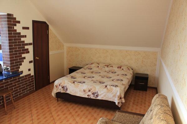 """Гостевой дом """"На Спендиарова 9Е"""", улица Спендиарова, 9Е на 8 комнат - Фотография 1"""