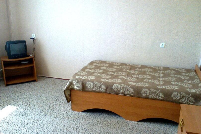 1-комн. квартира на 4 человека, улица Дёмышева, 108, Евпатория - Фотография 4