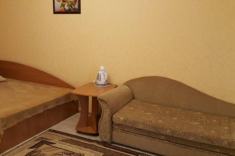 """Гостевой дом """"На Революционной 31"""", Революционная улица, 31 на 14 комнат - Фотография 7"""