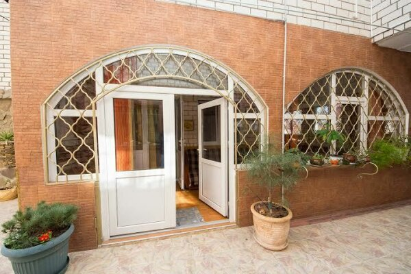 Дом, 120 кв.м. на 6 человек, 2 спальни, Заводская улица, 28, Анапа - Фотография 1
