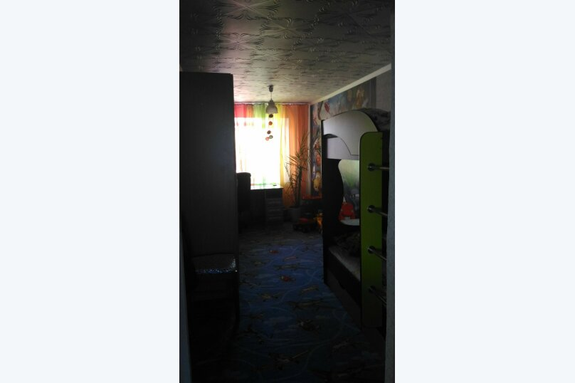 3-комн. квартира, 54 кв.м. на 8 человек, квартал  Б, 12, Яровое - Фотография 2