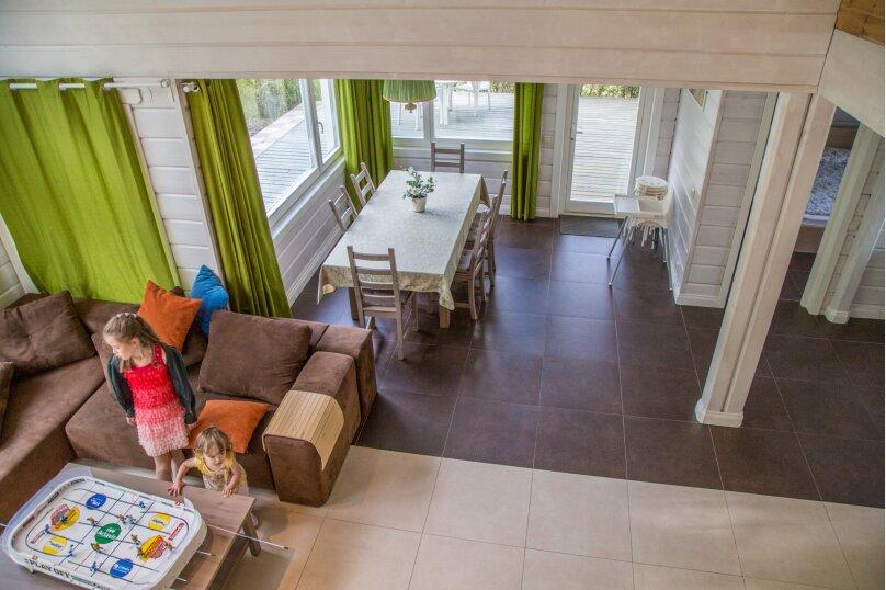 Коттедж с 6 спальнями, сауной и камином (до 14 гостей), 220 кв.м. на 12 человек, 6 спален, Русская Красавица, 1, Межозерное - Фотография 31