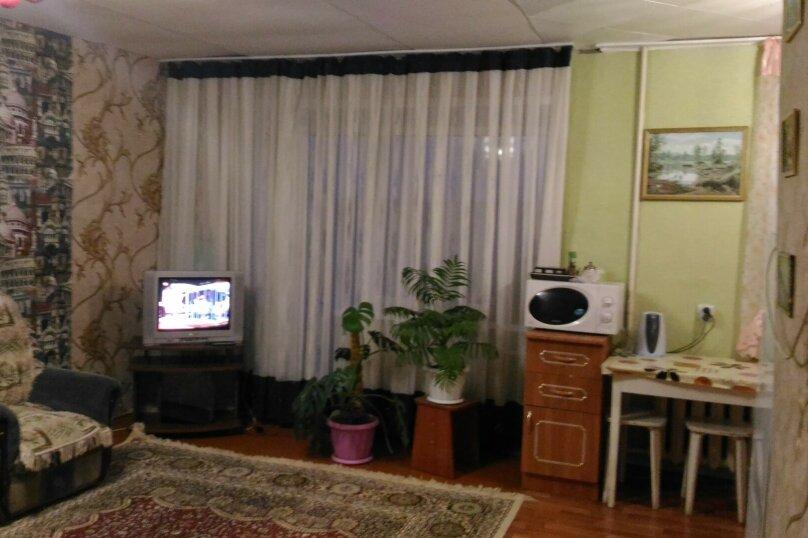 3-комн. квартира, 54 кв.м. на 8 человек, квартал  Б, 12, Яровое - Фотография 7
