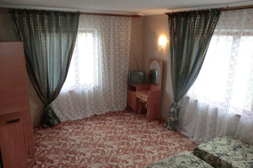 4-х местная, двухкомнатная комната. Третья категория, Гагарина , 48 В, Судак - Фотография 1