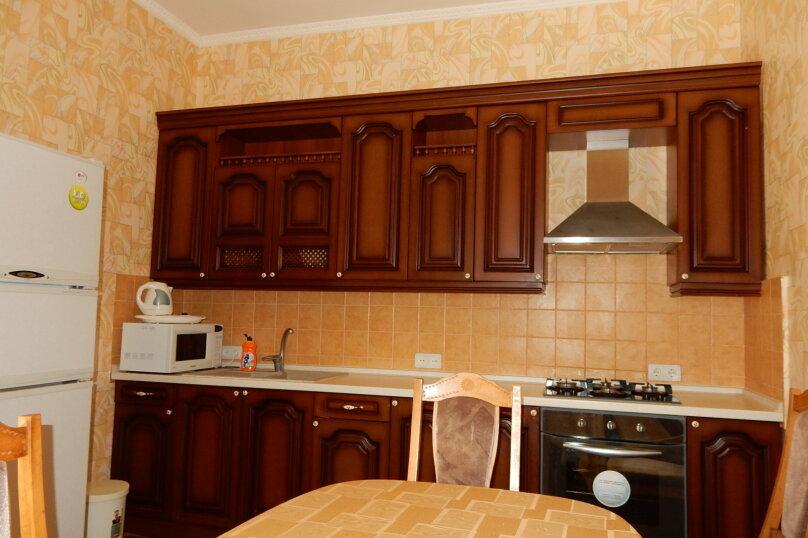 Дом, 350 кв.м. на 10 человек, 10 спален, Поселковая улица, 5, Ялта - Фотография 9