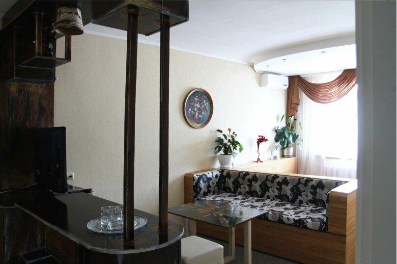 №3 Улучшенный семейный номер, улица Горького, 15А, Алушта - Фотография 1