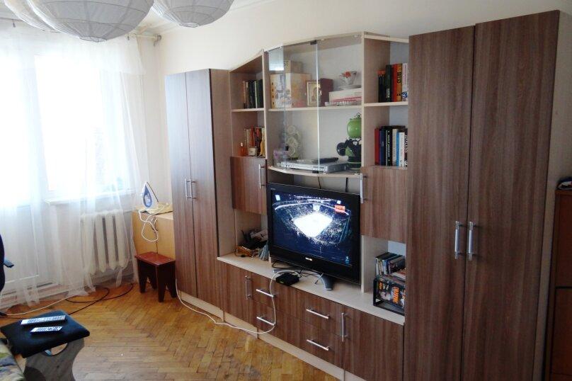 2-комн. квартира, 54 кв.м. на 5 человек, улица Сурикова, 2, Алупка - Фотография 1