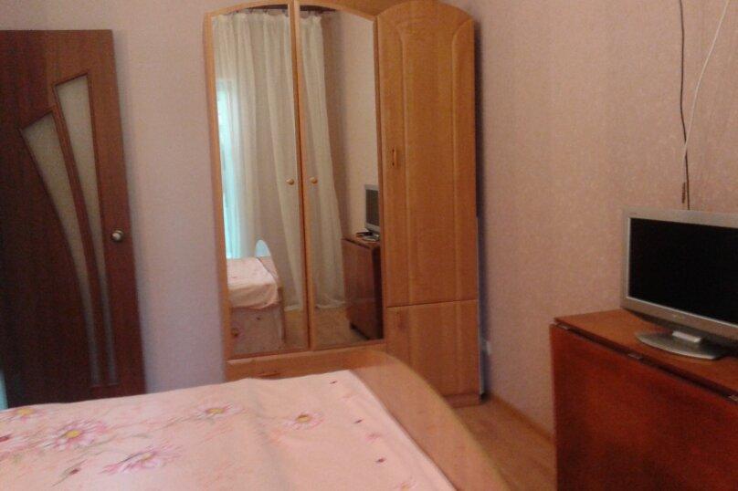 Номер на первом этаже, улица Толстого, 10, Ялта - Фотография 11