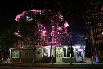 Отель, Новороссийская улица, 177 на 20 номеров - Фотография 1