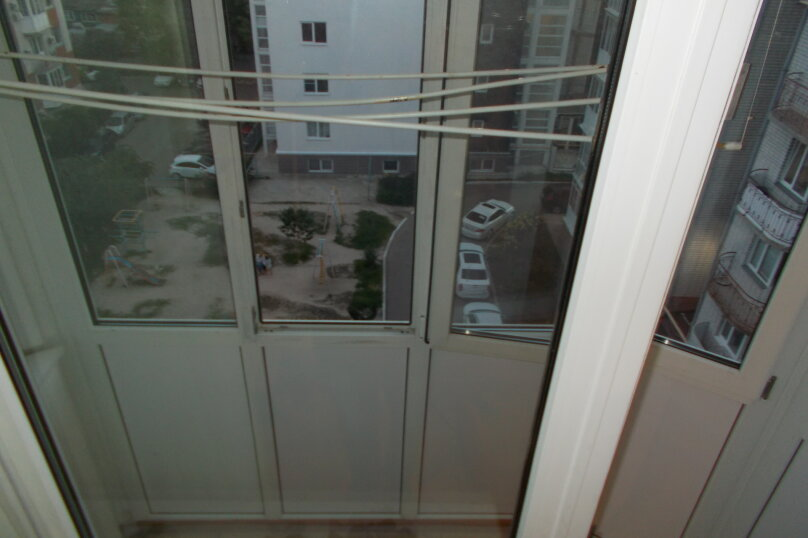 2-комн. квартира, 64 кв.м. на 6 человек, улица Коммунаров, 26, Ейск - Фотография 16