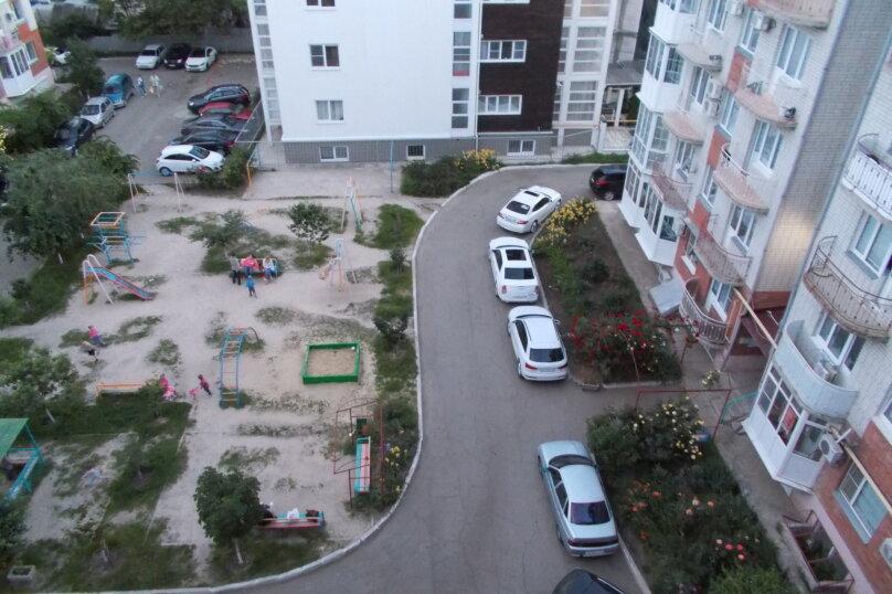 2-комн. квартира, 64 кв.м. на 6 человек, улица Коммунаров, 26, Ейск - Фотография 17